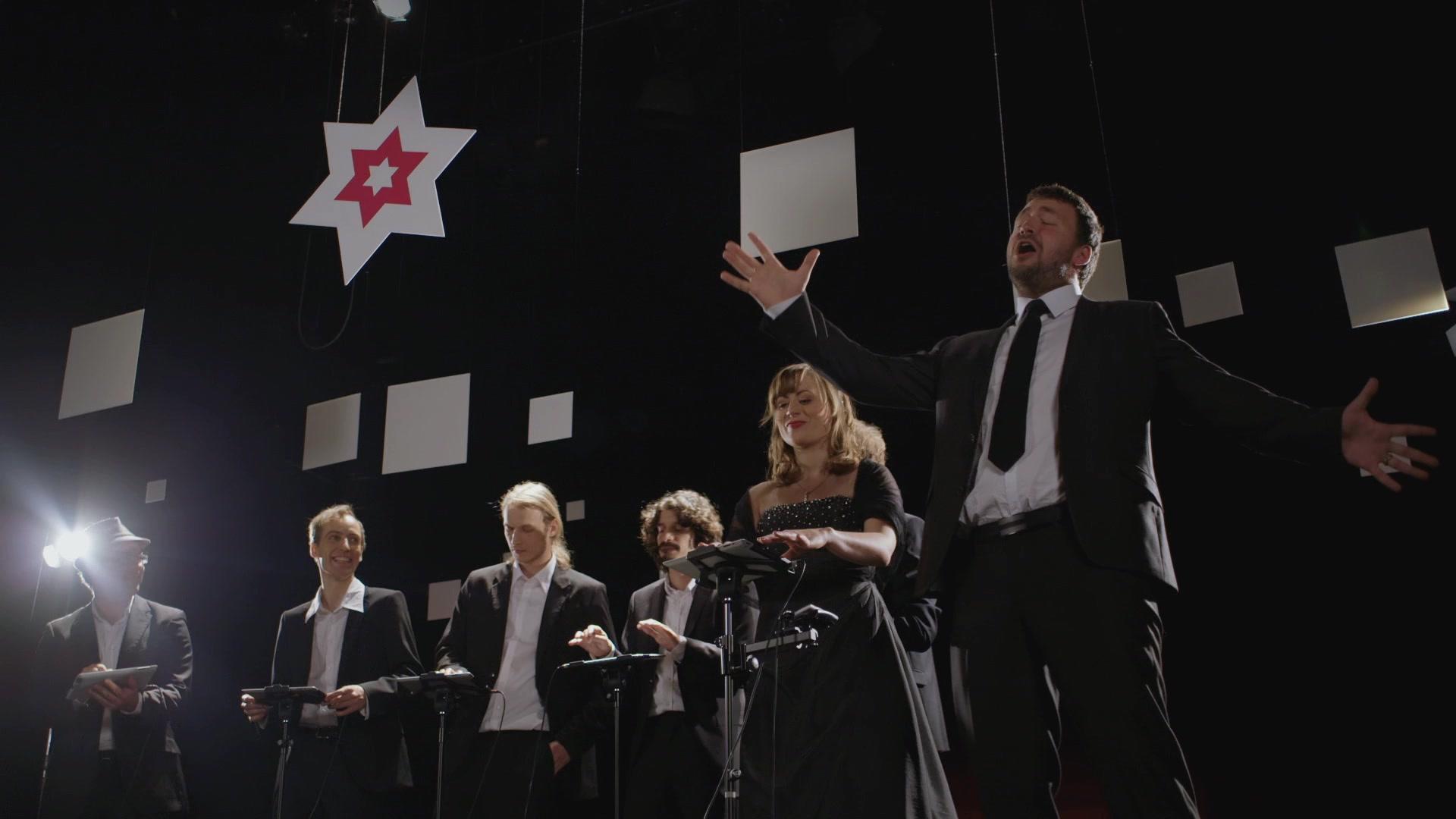 """Premiere: Weihnachtslied mit Musik-Apps – """"Silent Night ..."""